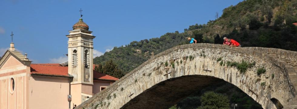 Tour Medioevo nella Riviera Ligure